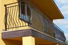 Balustrada zewnętrzna stalowa ze zdobieniami