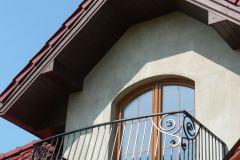 Balustrada balkonowa ze zdobieniami