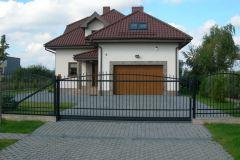 Prosta, stalowa brama