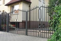 Nowoczesna brama stalowa
